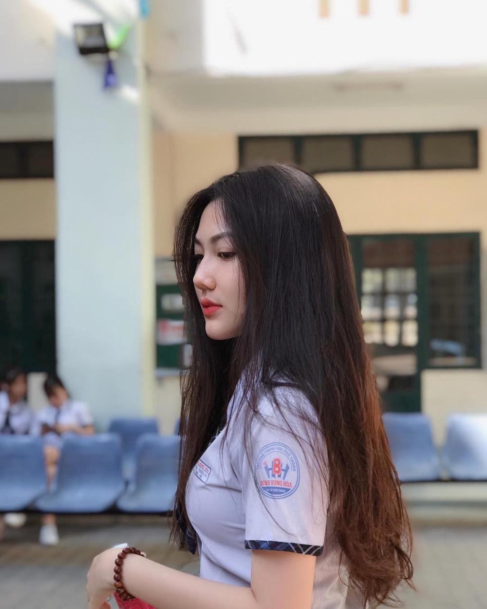 Vẻ đẹp trong trẻo của cô nữ sinh 17 tuổi.