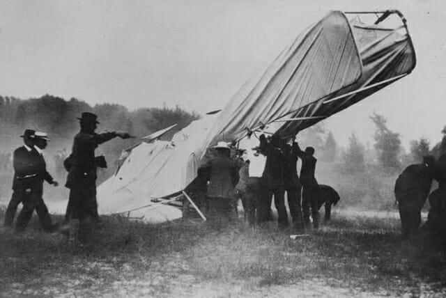 First photo of a fatal plane crash